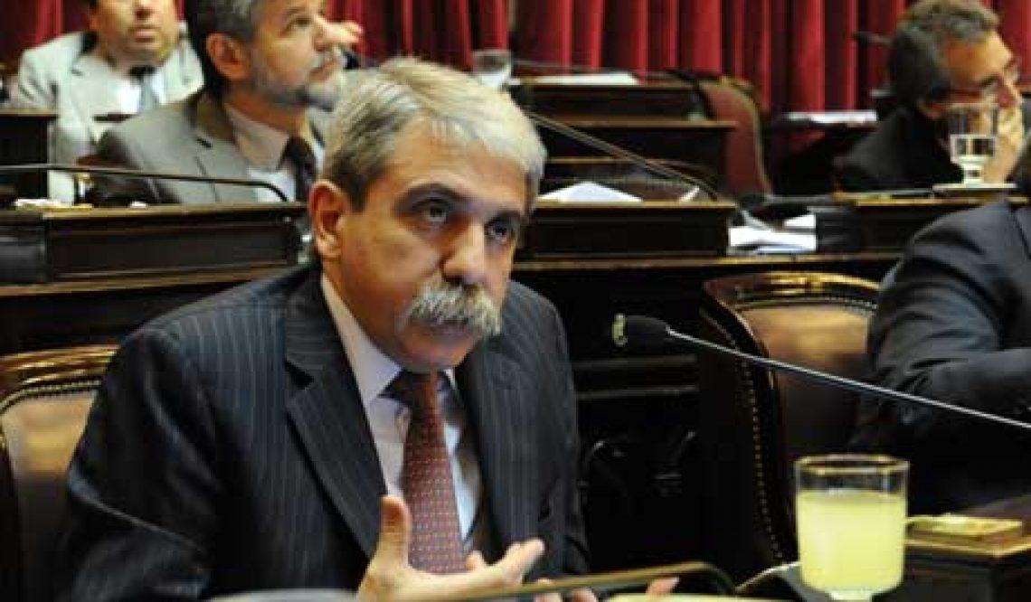 Presupuesto 2012 y ley de papel para diarios, videos del debate